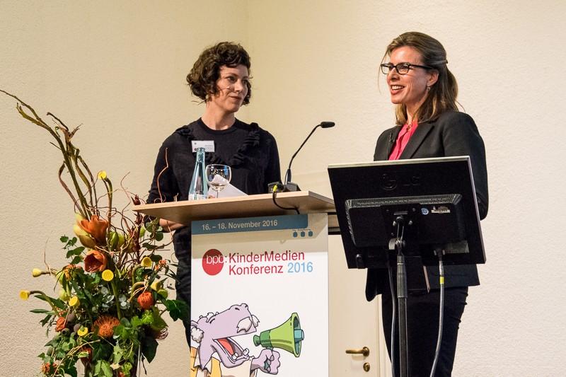 Malin Büttner und Dr. Caroline Hornstein Tomic Foto: Gerd Metzner