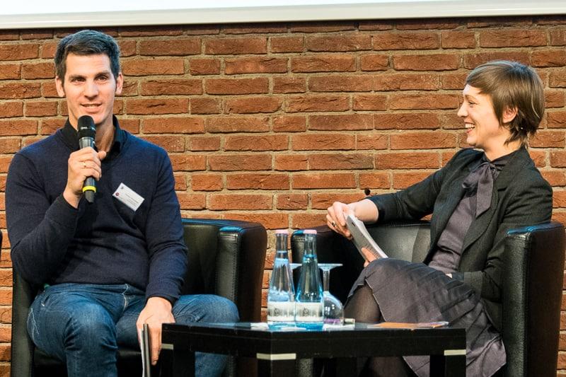 Clemens Stolzenberg, bpb, und Moderatorin Anna Hoff, bpb Foto: Gerd Metzner