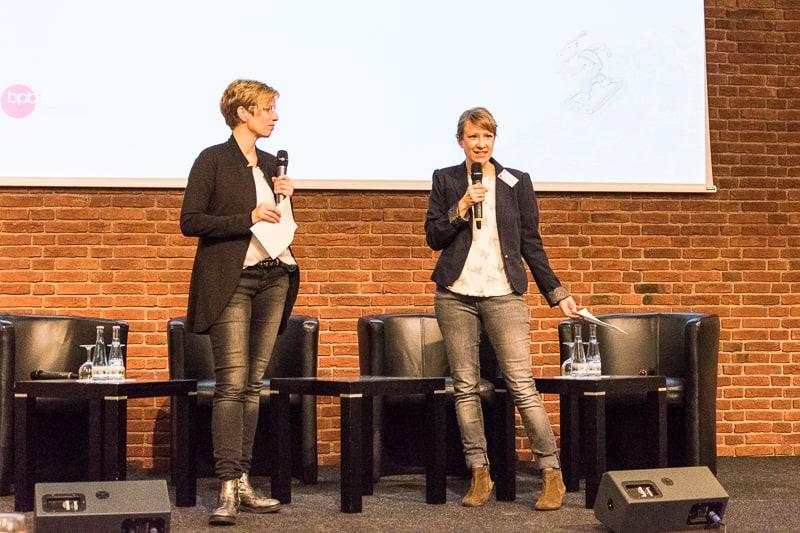 v.l. Carola Laun, Kinder & Jugend Marketing Kontor und Cosima Grohmann, drehscheibe © Gerd Metzner